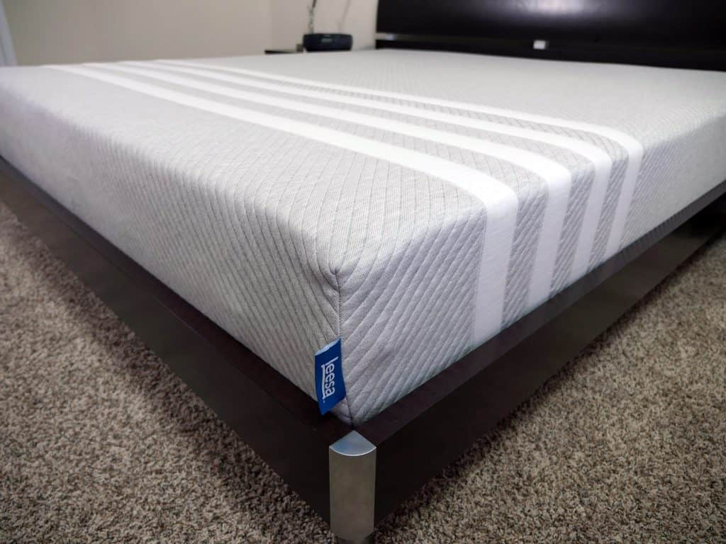 leesa mattress edge